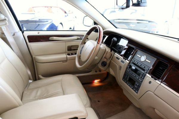 Used 2009 Lincoln Town Car Signature Limited | Vienna, VA