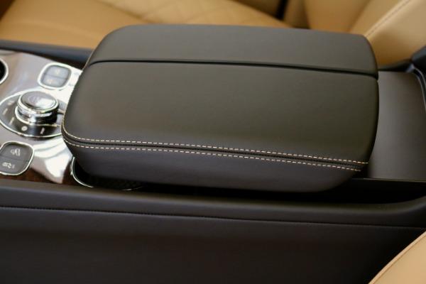 Used 2017 Bentley BENTAYGA W12 SIGNATURE  | Vienna, VA
