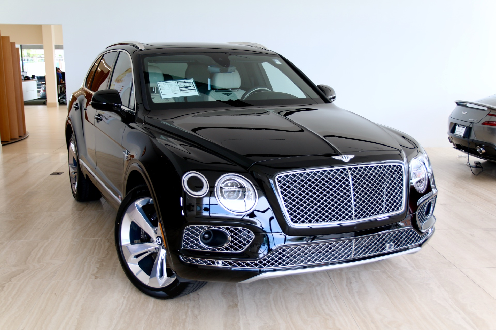New 2018 BENTLEY BENTAYGA W12 SIGNATURE  | Vienna, VA