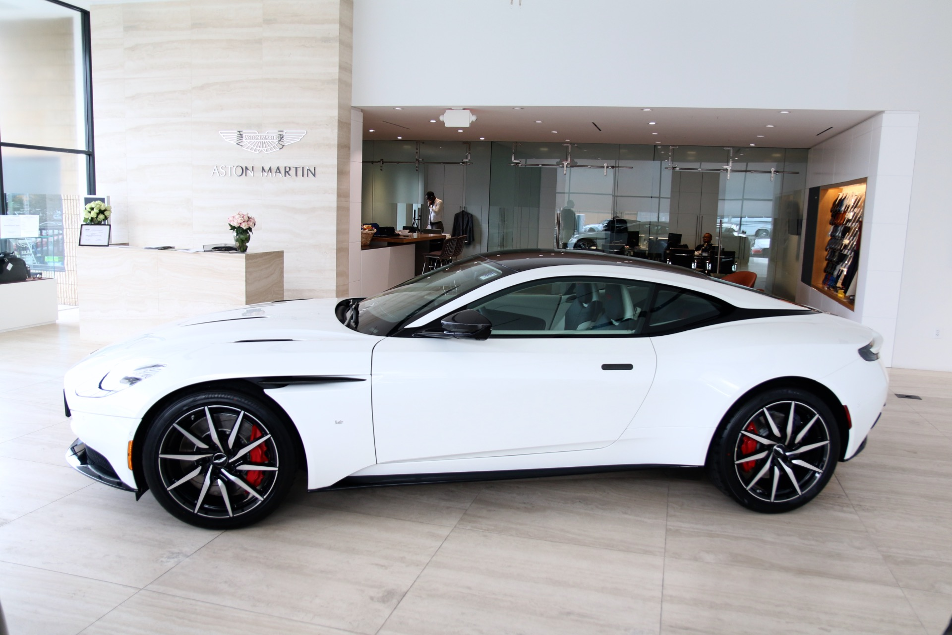 Used-2018-Aston-Martin-DB11-V12