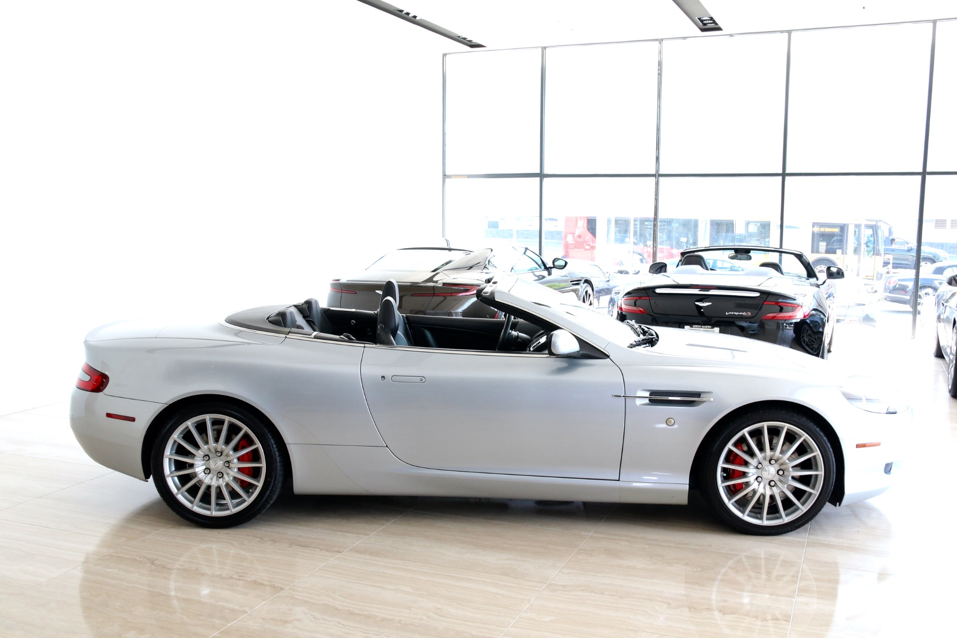 Used-2008-Aston-Martin-DB9-Volante