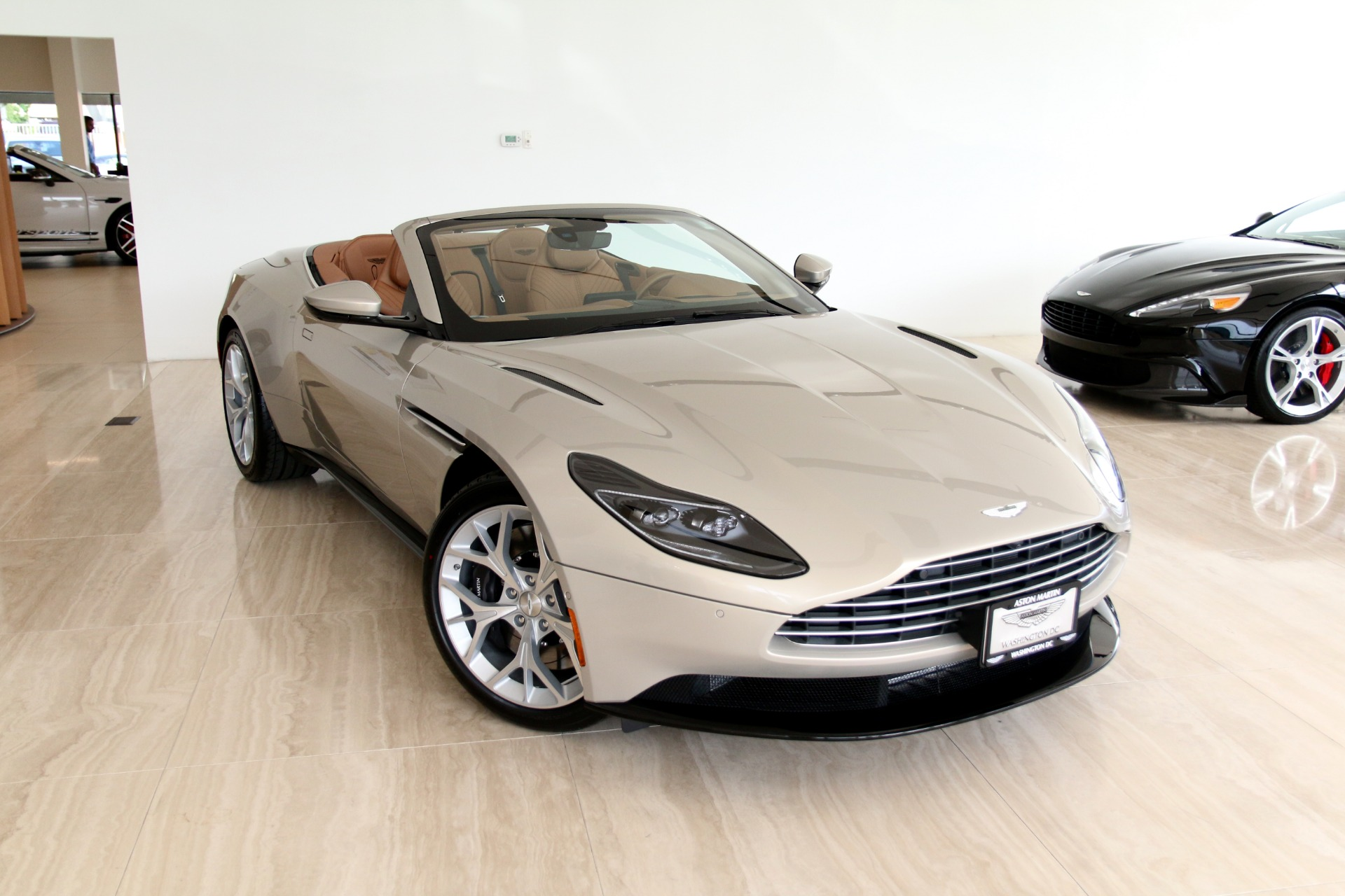 2019 Aston Martin Db11 Volante Stock 9nm05888 For Sale Near Vienna Va Va Aston Martin Dealer