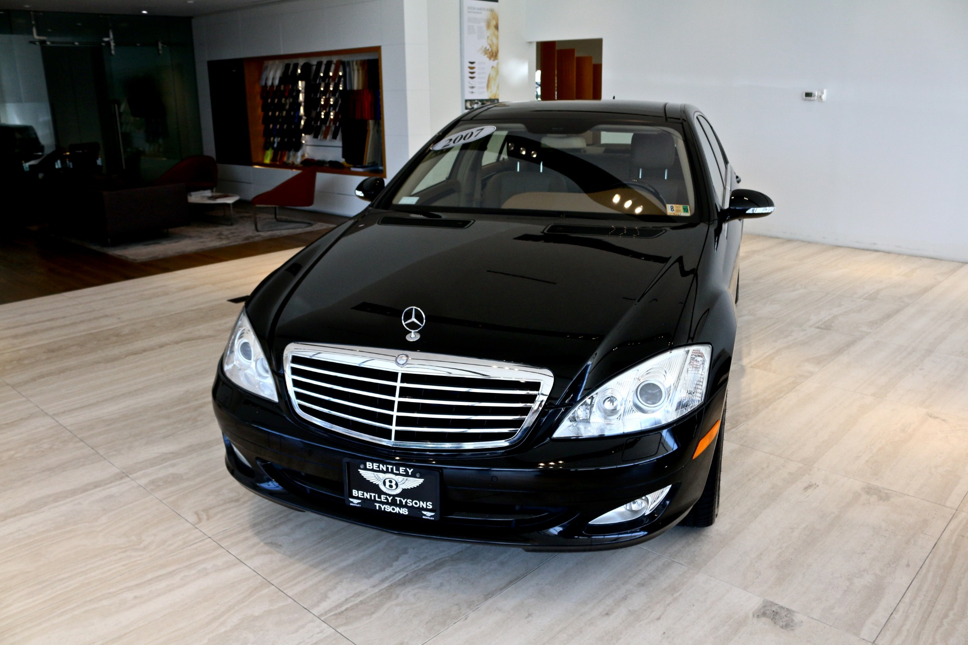 Used-2007-Mercedes-Benz-S-Class-S550-4MATIC