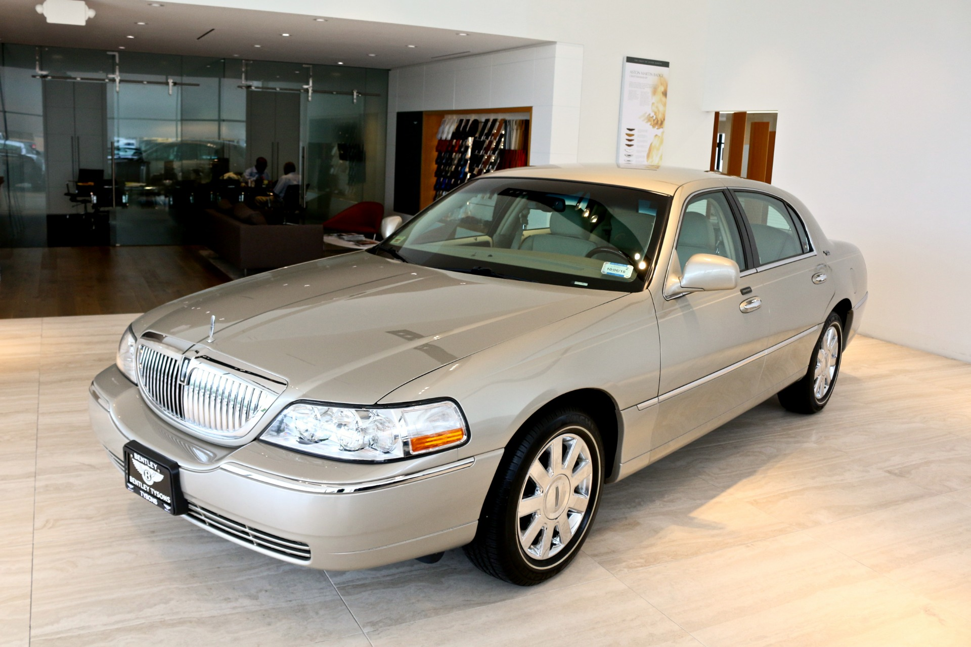 2009 Lincoln Town Car Signature Limited Stock P614771 For Sale
