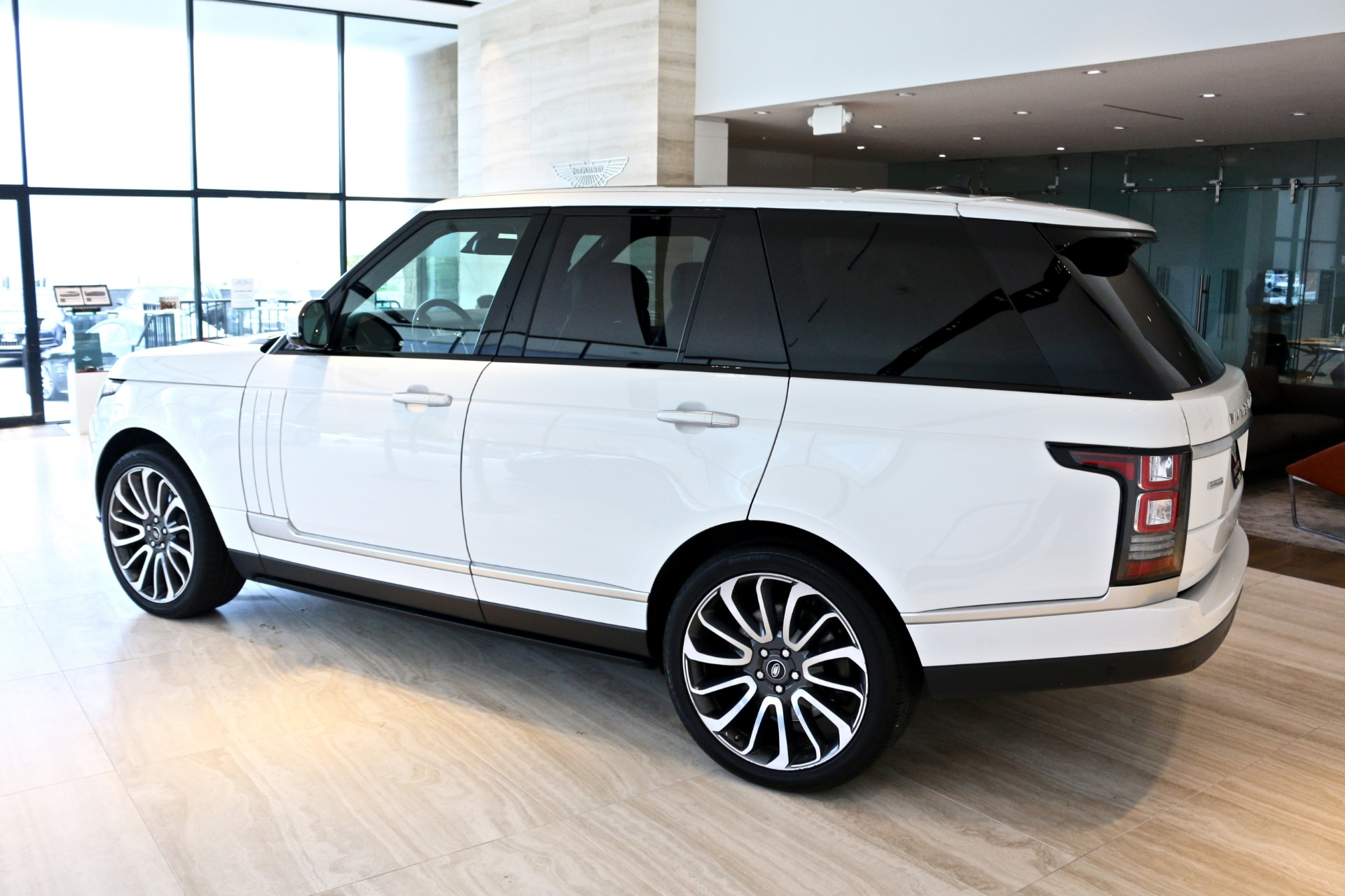 Used-2015-Land-Rover-Range-Rover-Autobiography