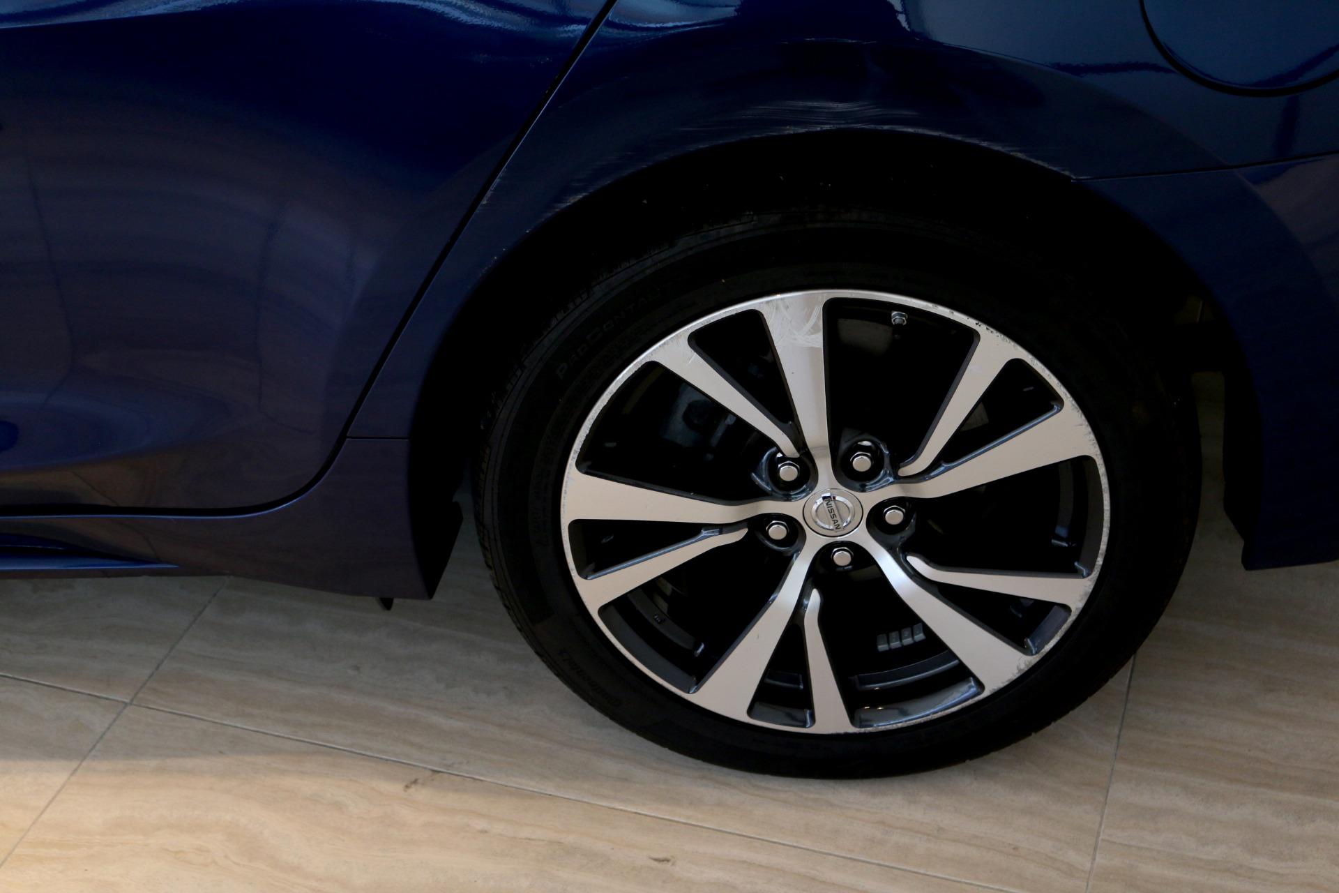 Used-2016-Nissan-Maxima