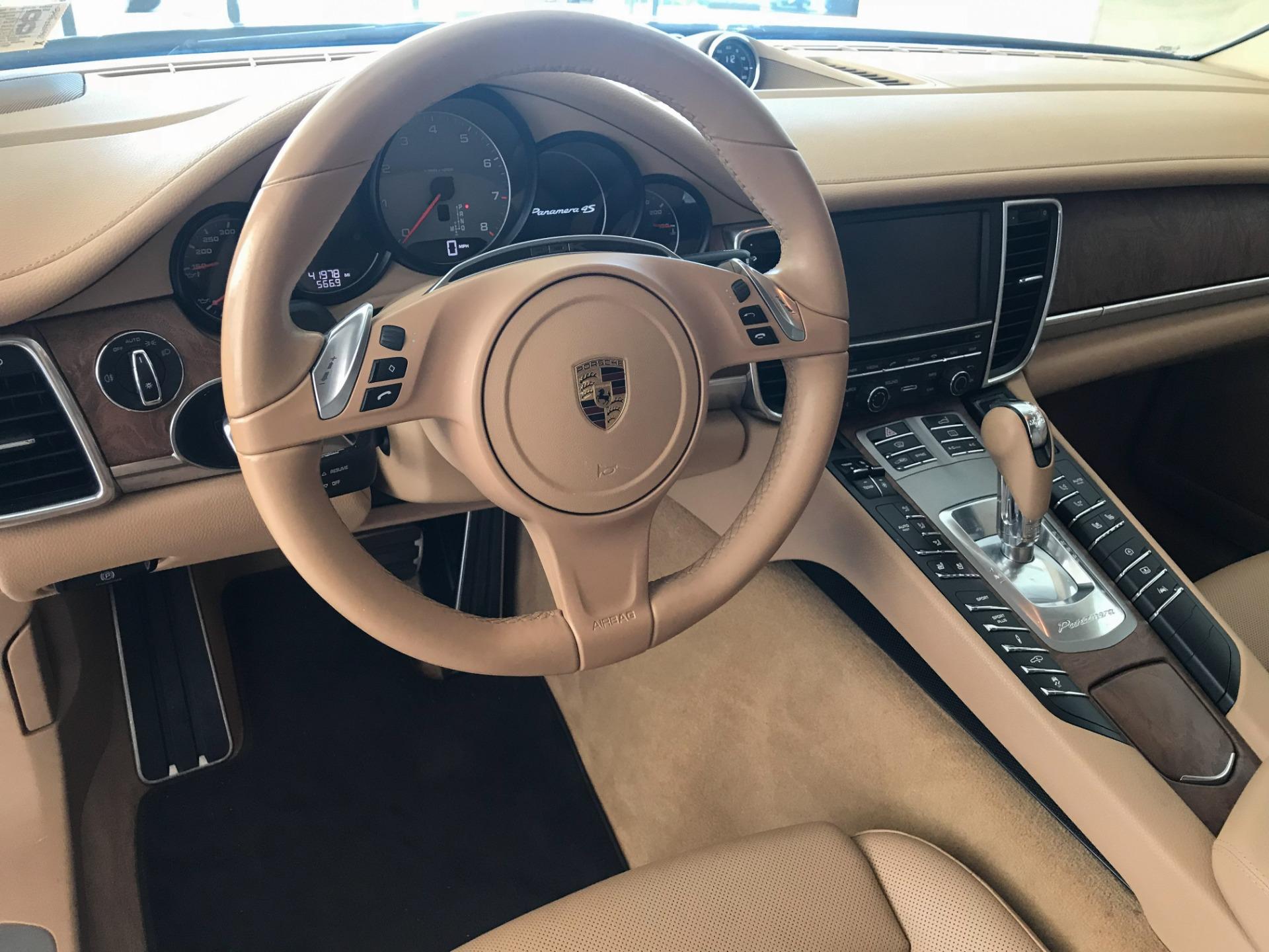 Used-2016-Porsche-Panamera-4S