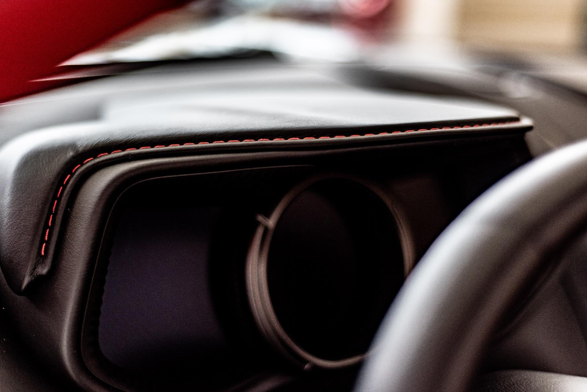 Used-2019-Aston-Martin-DB11-Volante