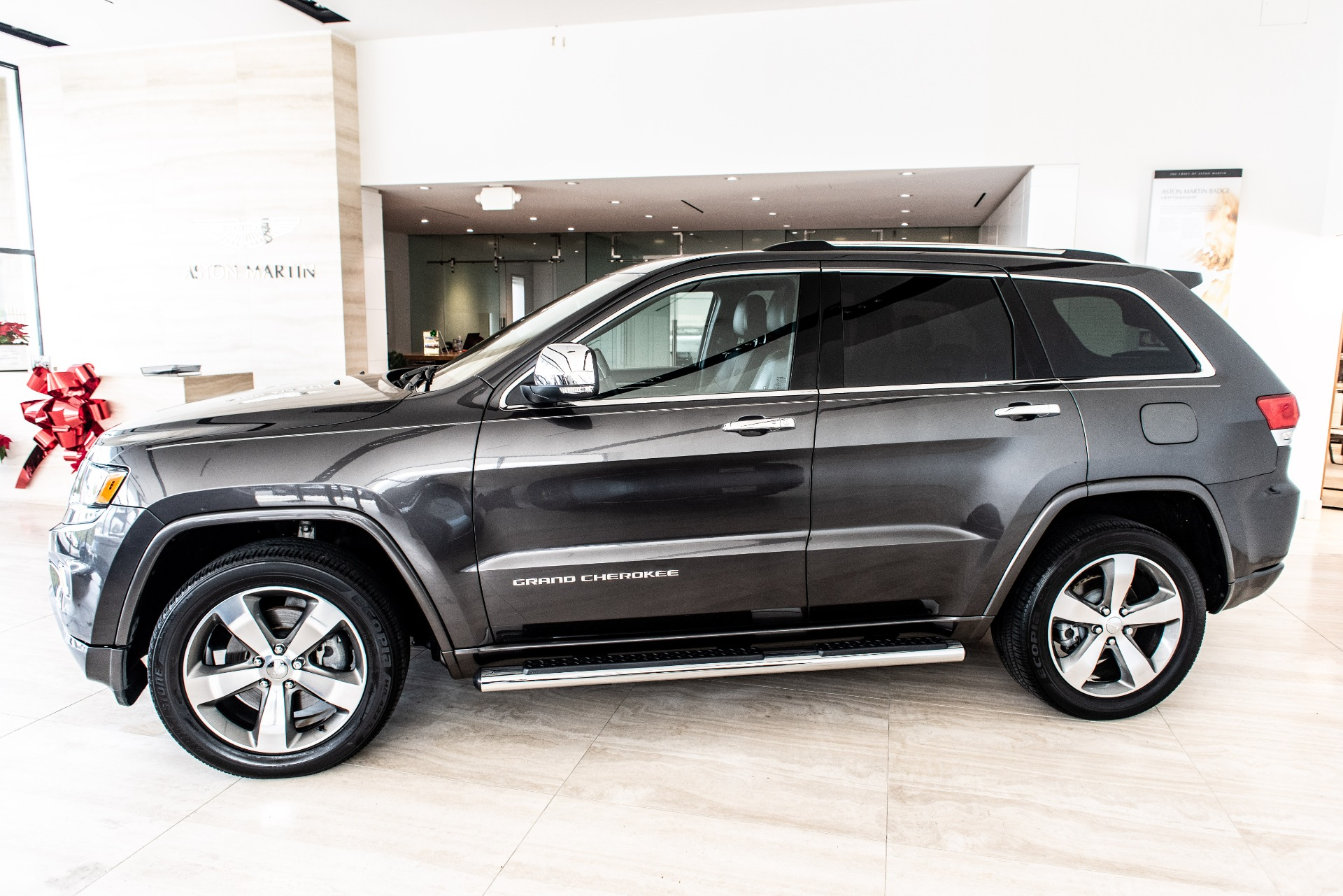 Used-2016-Jeep-Grand-Cherokee
