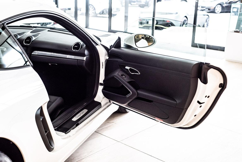 Used-2018-Porsche-718-Cayman