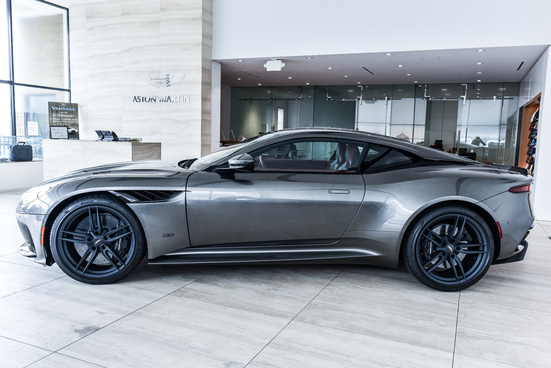 New-2019-Aston-Martin-DBS-Superleggera