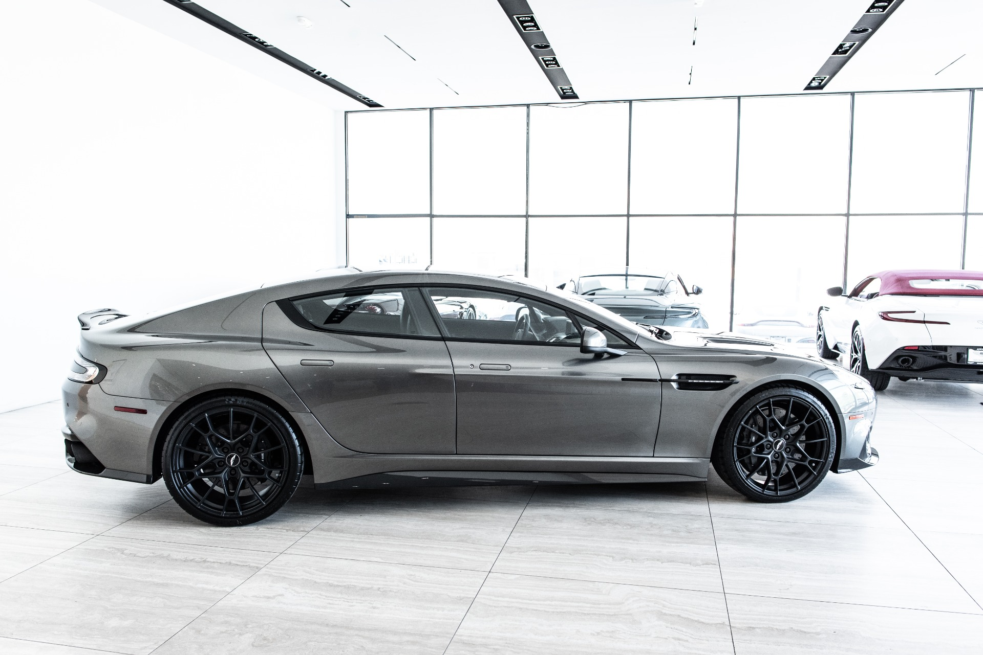 New-2019-ASTON-MARTIN-RAPIDE