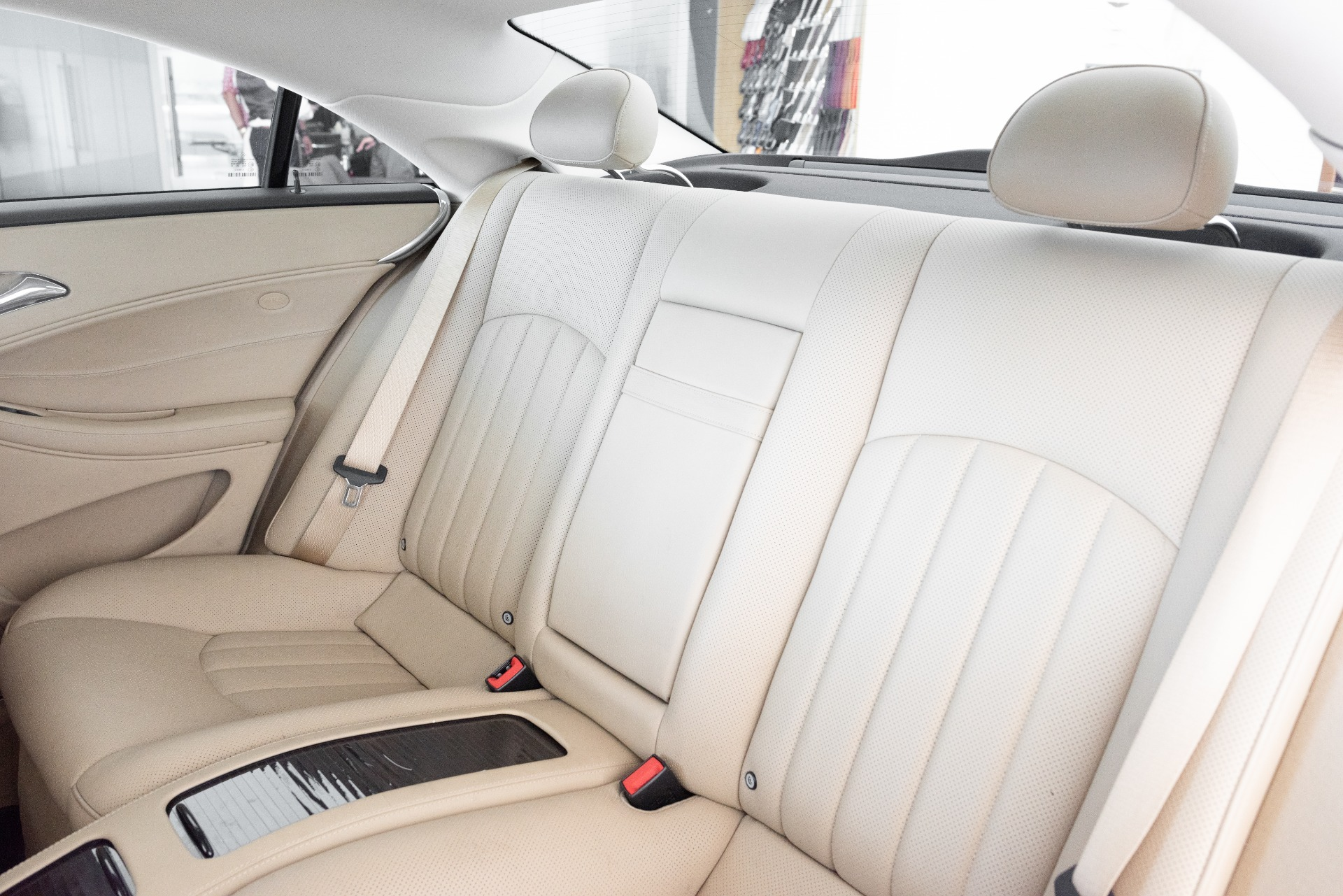Used-2008-Mercedes-Benz-CLS-Class-CLS-550