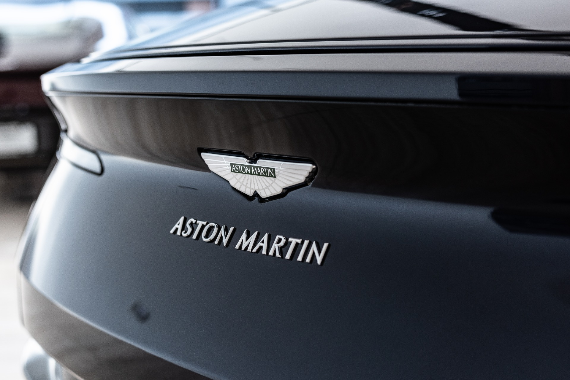 New-2019-Aston-Martin-DB11-AMR