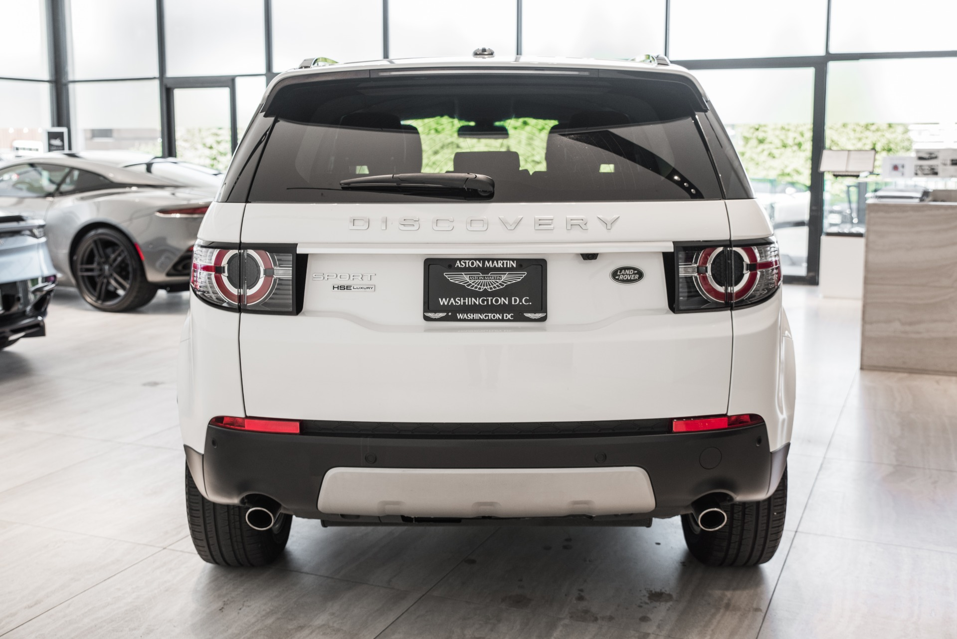 Used-2015-Land-Rover-Discovery-Sport-HSE-LUX