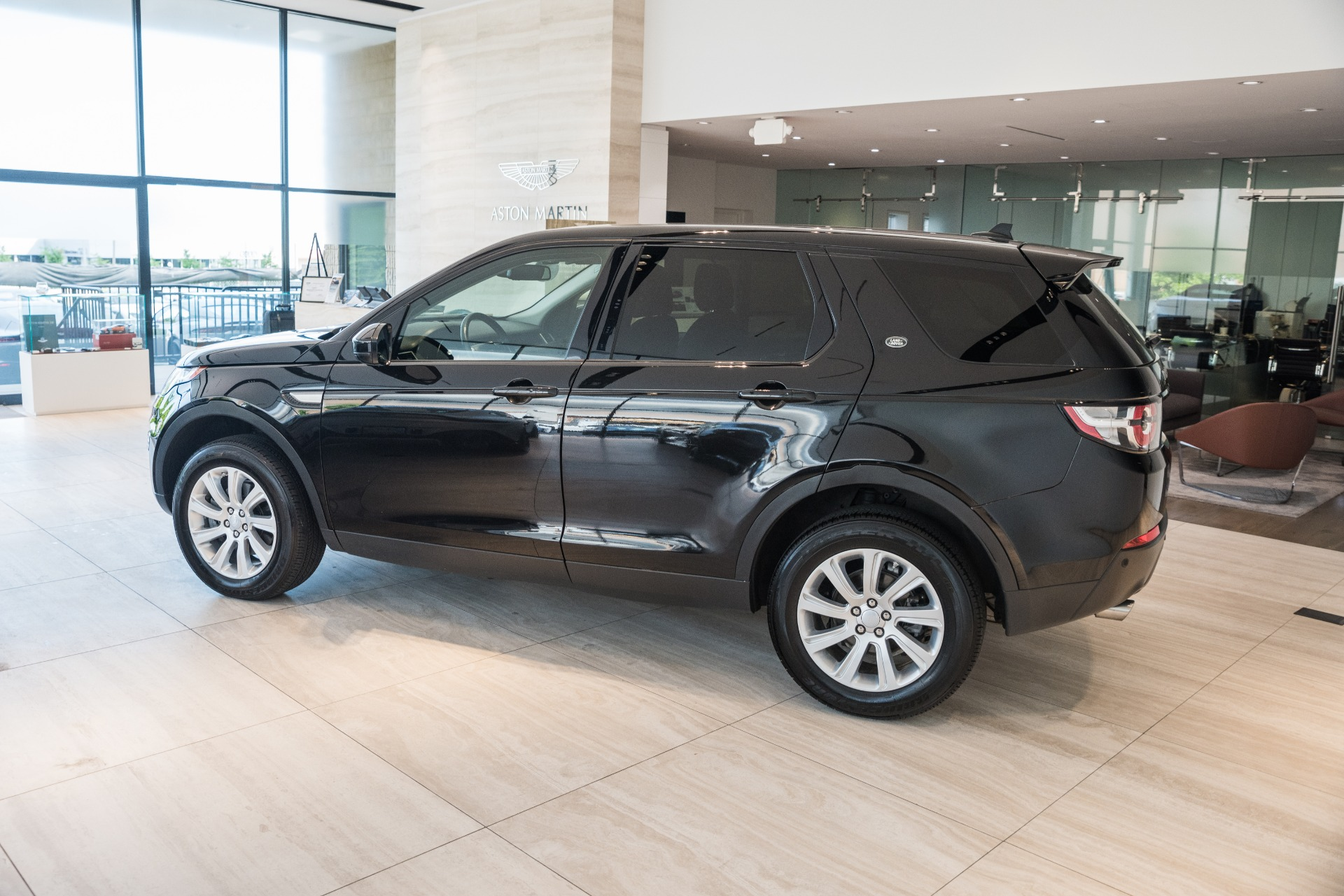 Used-2016-Land-Rover-Discovery-Sport-SE