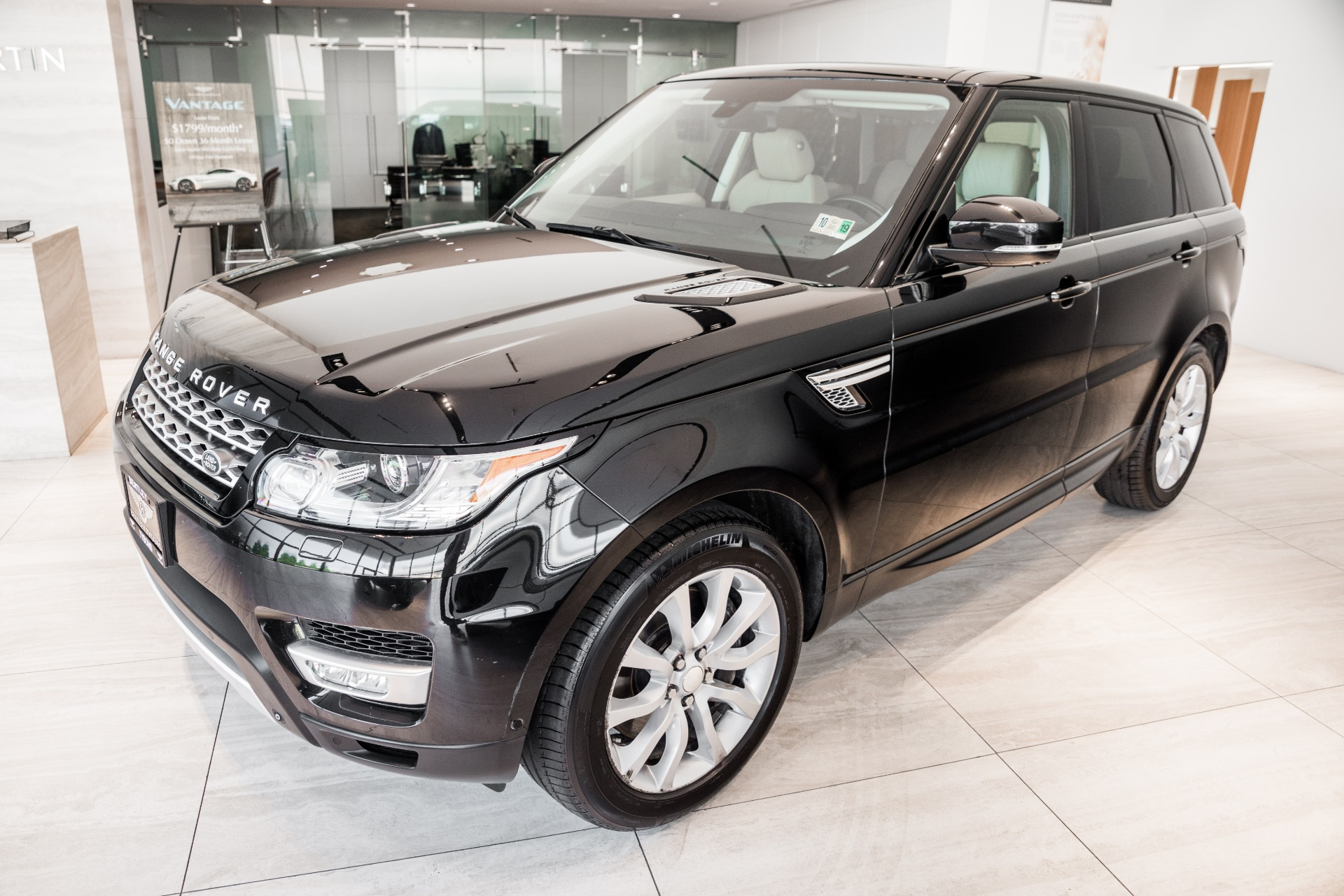 Used-2014-Land-Rover-Range-Rover-Sport-Supercharged