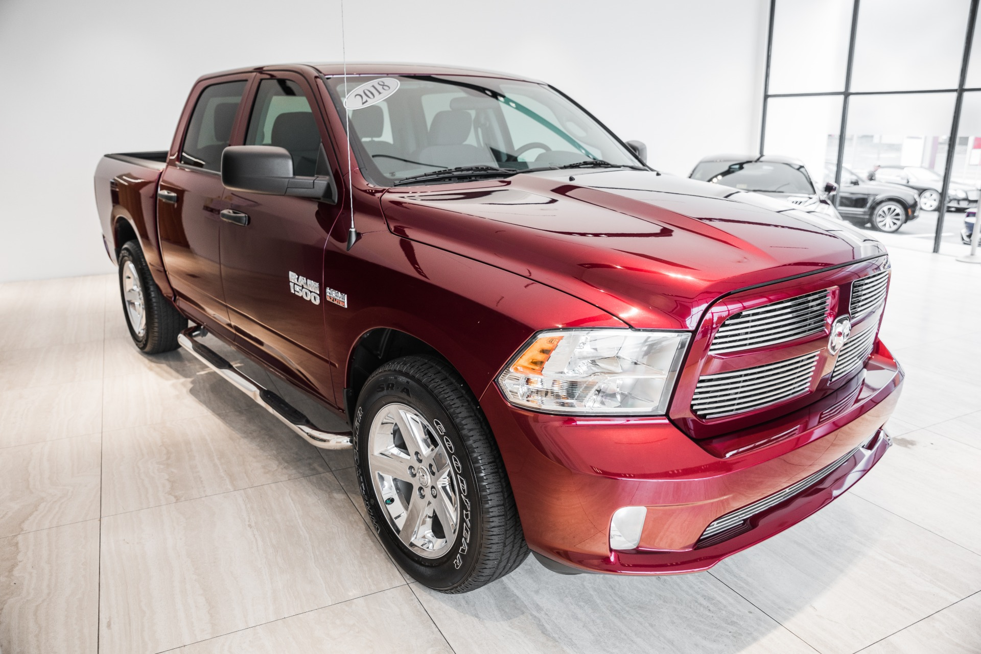 Used-2018-Ram-Ram-Pickup-1500-Express