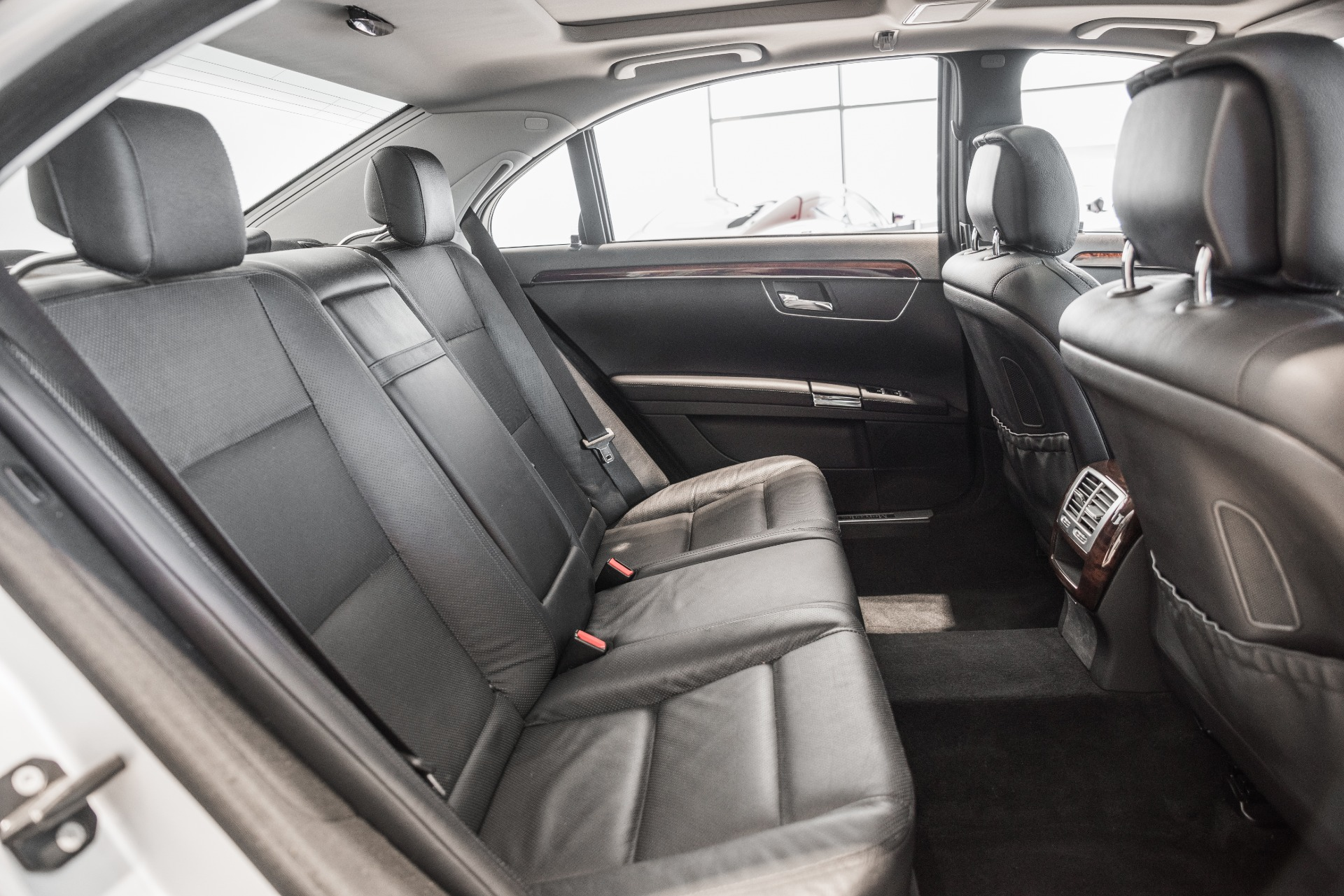 Used-2013-Mercedes-Benz-S-Class-S-550-4MATIC
