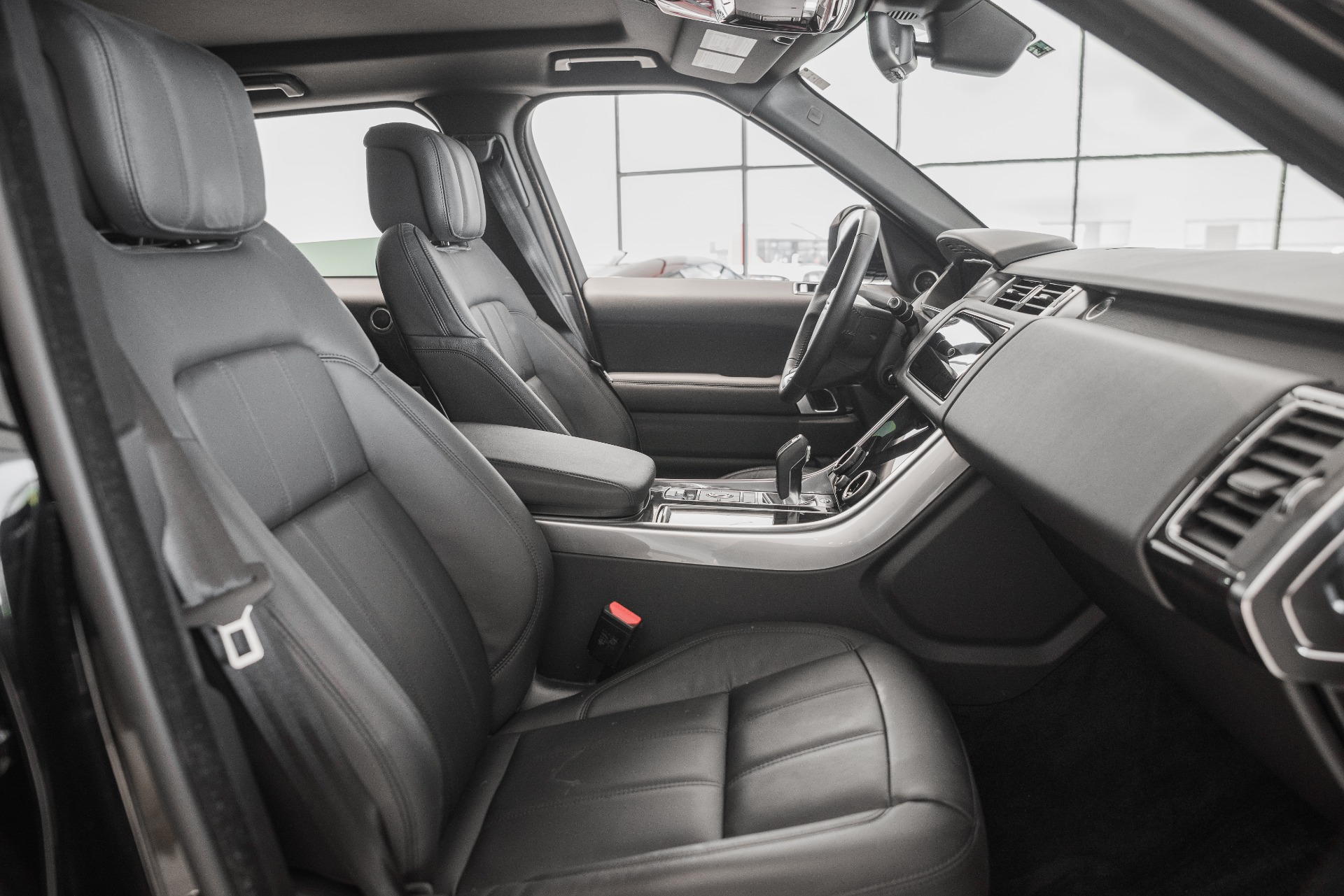 Used-2019-Land-Rover-Range-Rover-Sport-SE