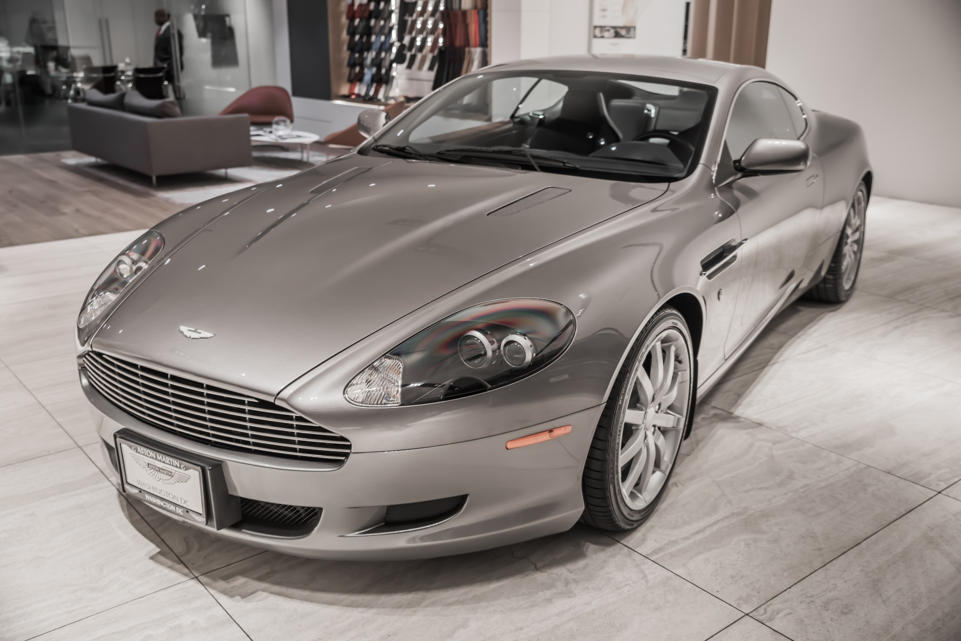 Used-2005-Aston-Martin-DB9