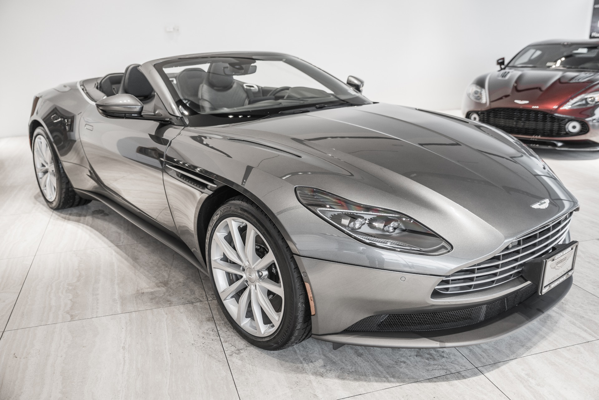 New-2019-Aston-Martin-DB11-Volante