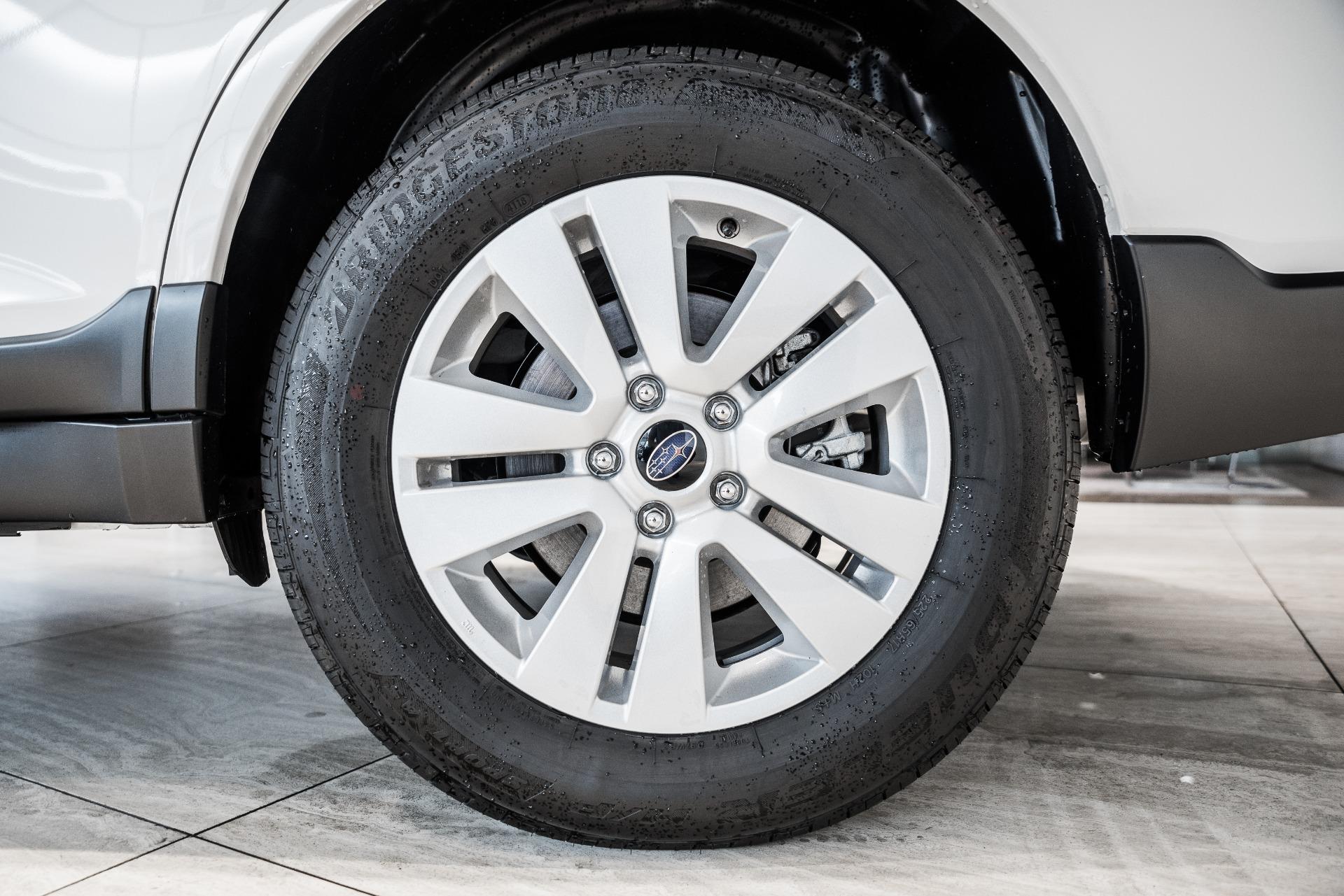 Used-2019-Subaru-Outback-25i-Premium