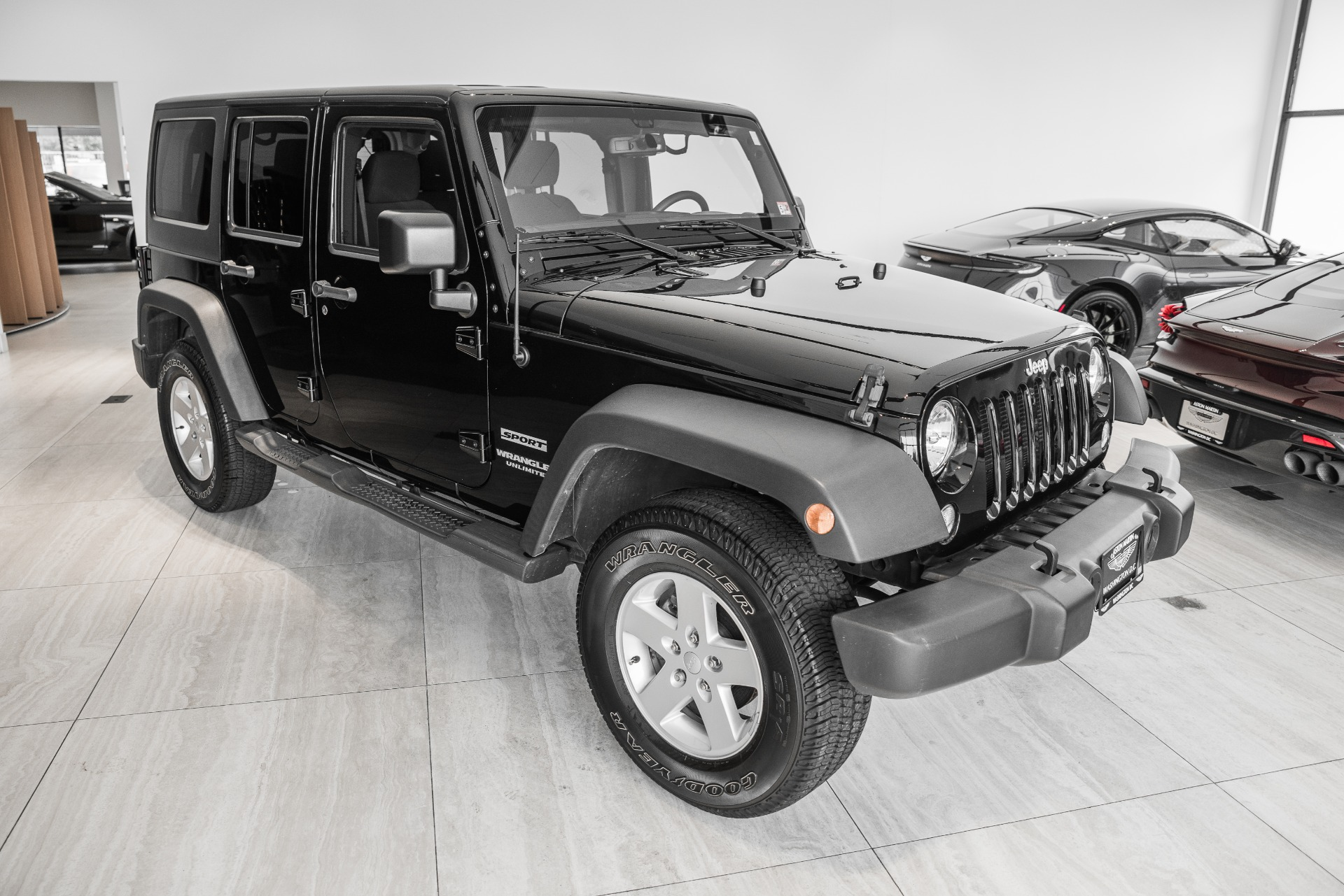 Used-2016-Jeep-Wrangler-Unlimited