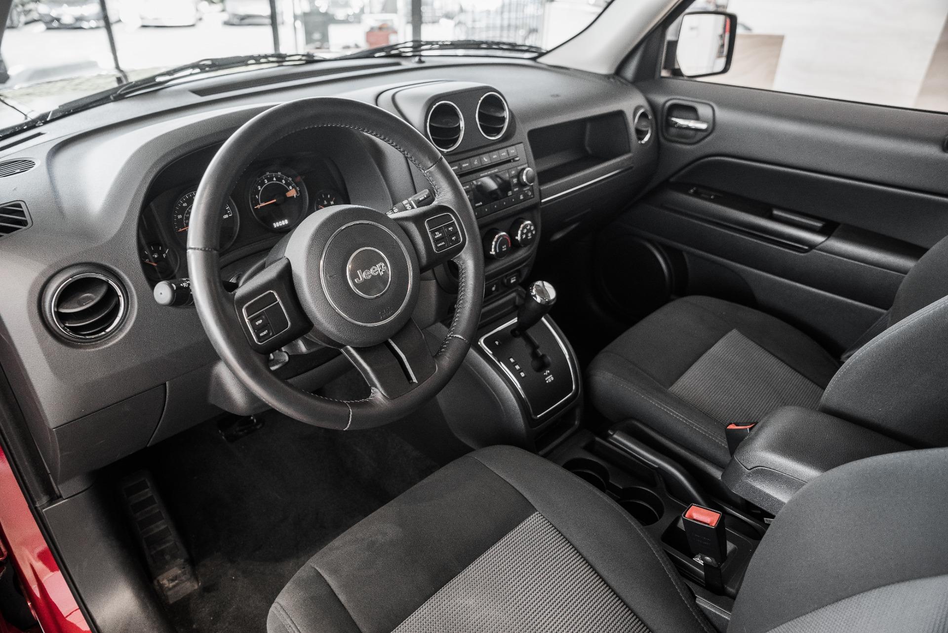 Used-2017-Jeep-Patriot-Latitude