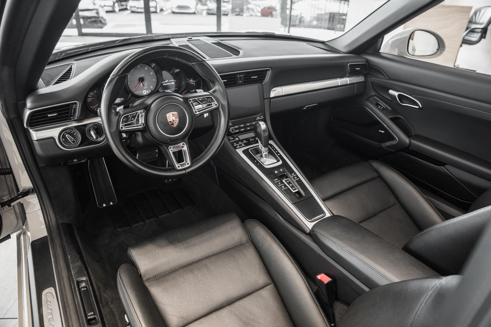 Used-2018-Porsche-911