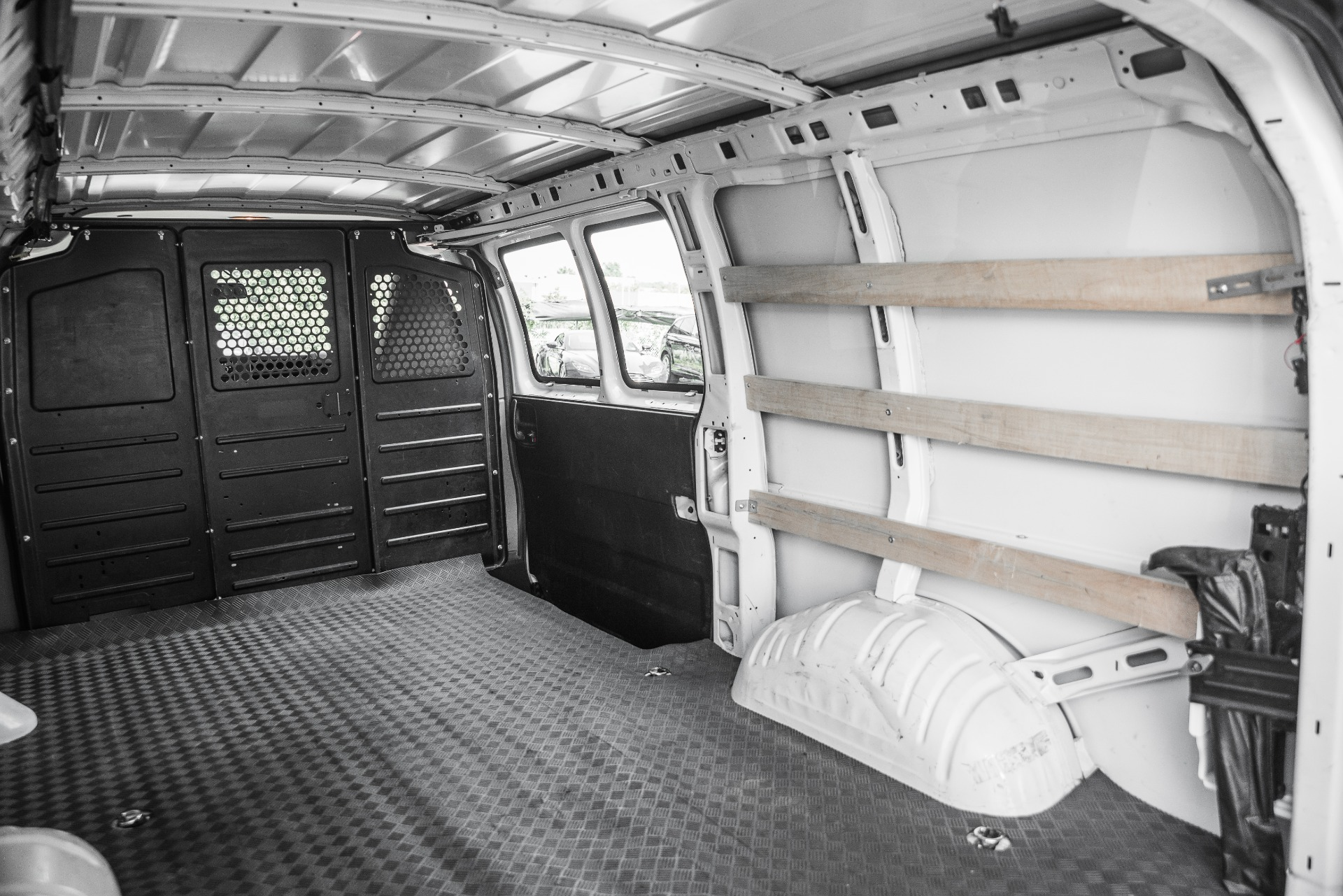 Used-2019-GMC-Savana-Cargo-Van-2500
