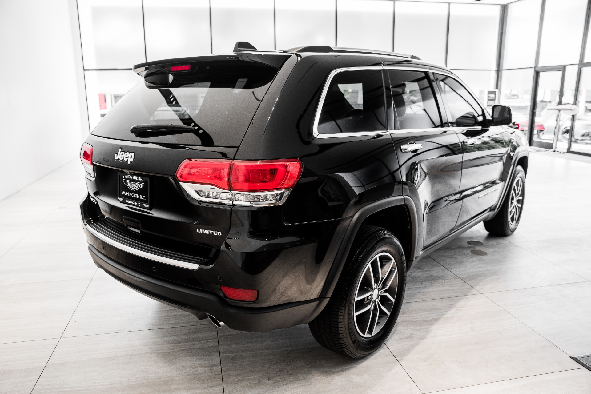 Used-2017-Jeep-Grand-Cherokee