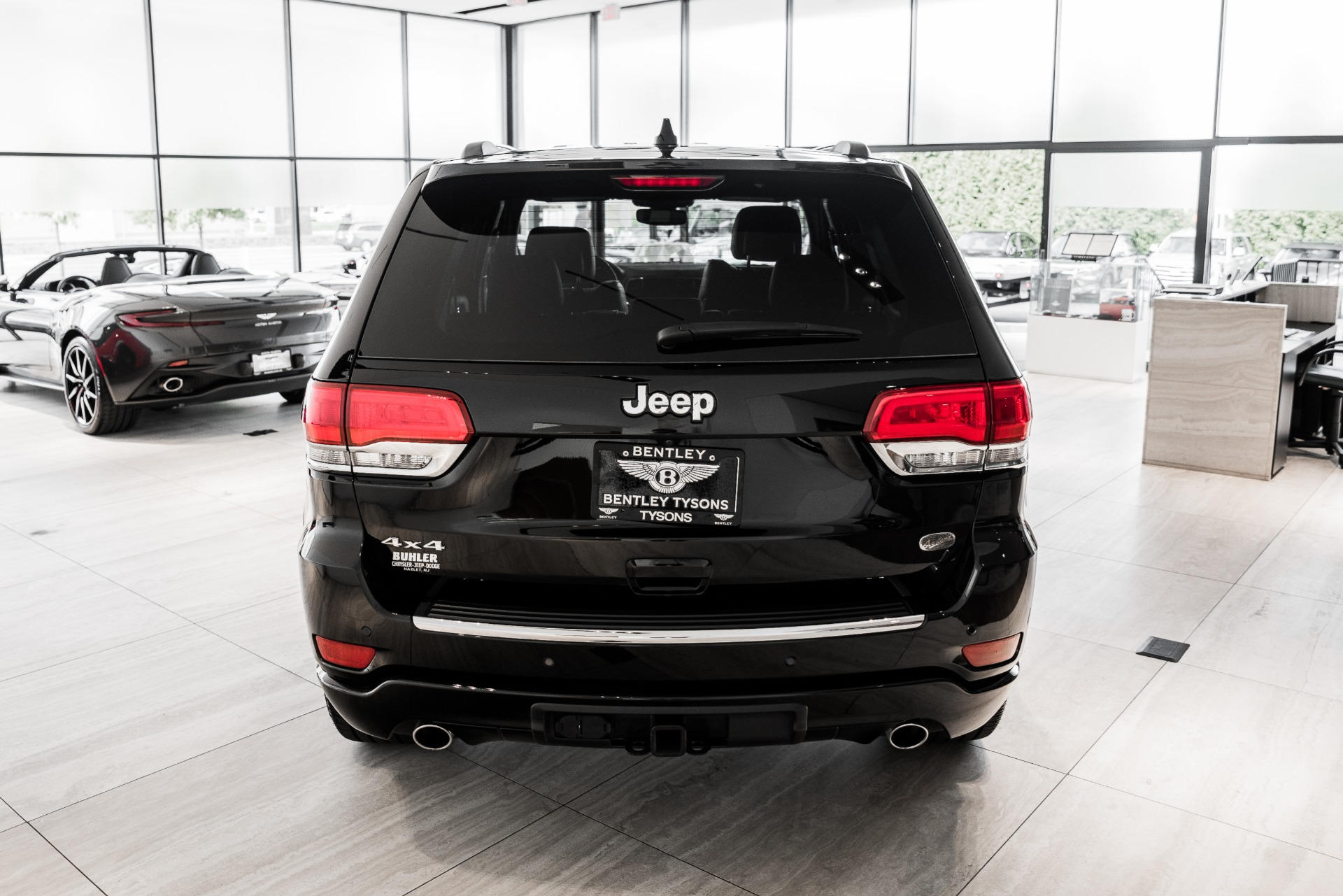 Used-2019-Jeep-Grand-Cherokee