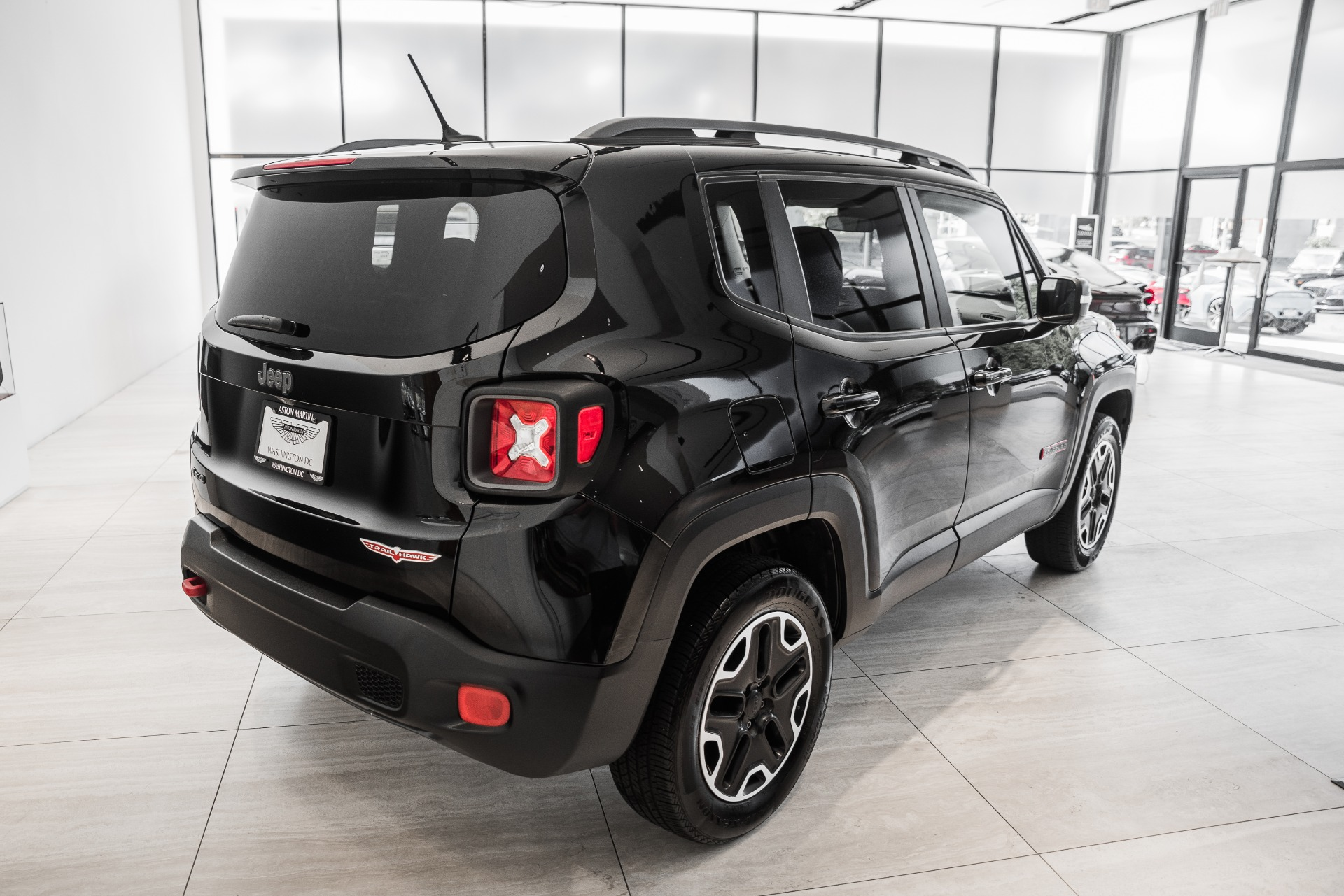 Used-2015-Jeep-Renegade-Trailhawk