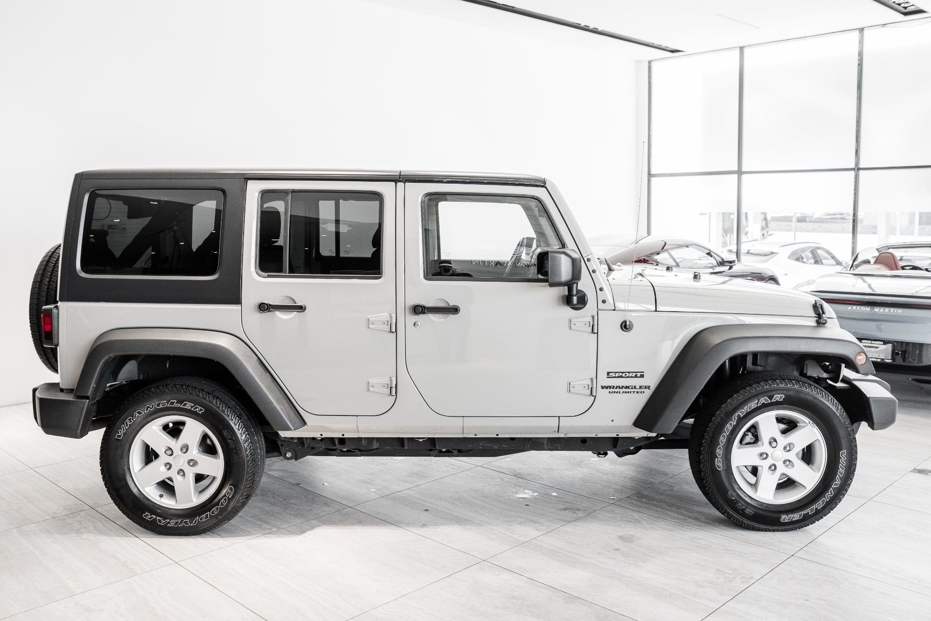 Used-2017-Jeep-Wrangler-Unlimited