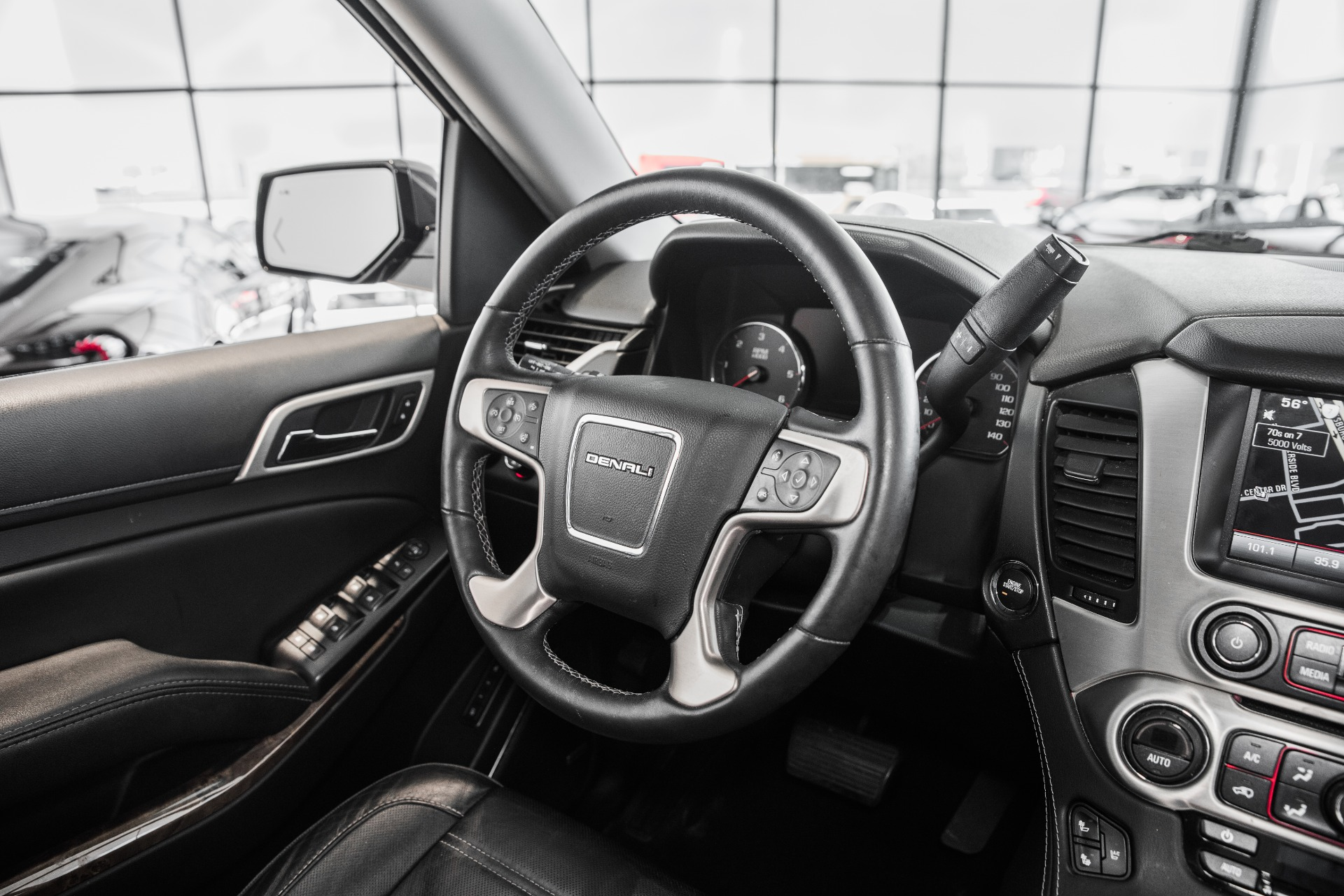 Used-2015-GMC-Yukon-XL-Denali