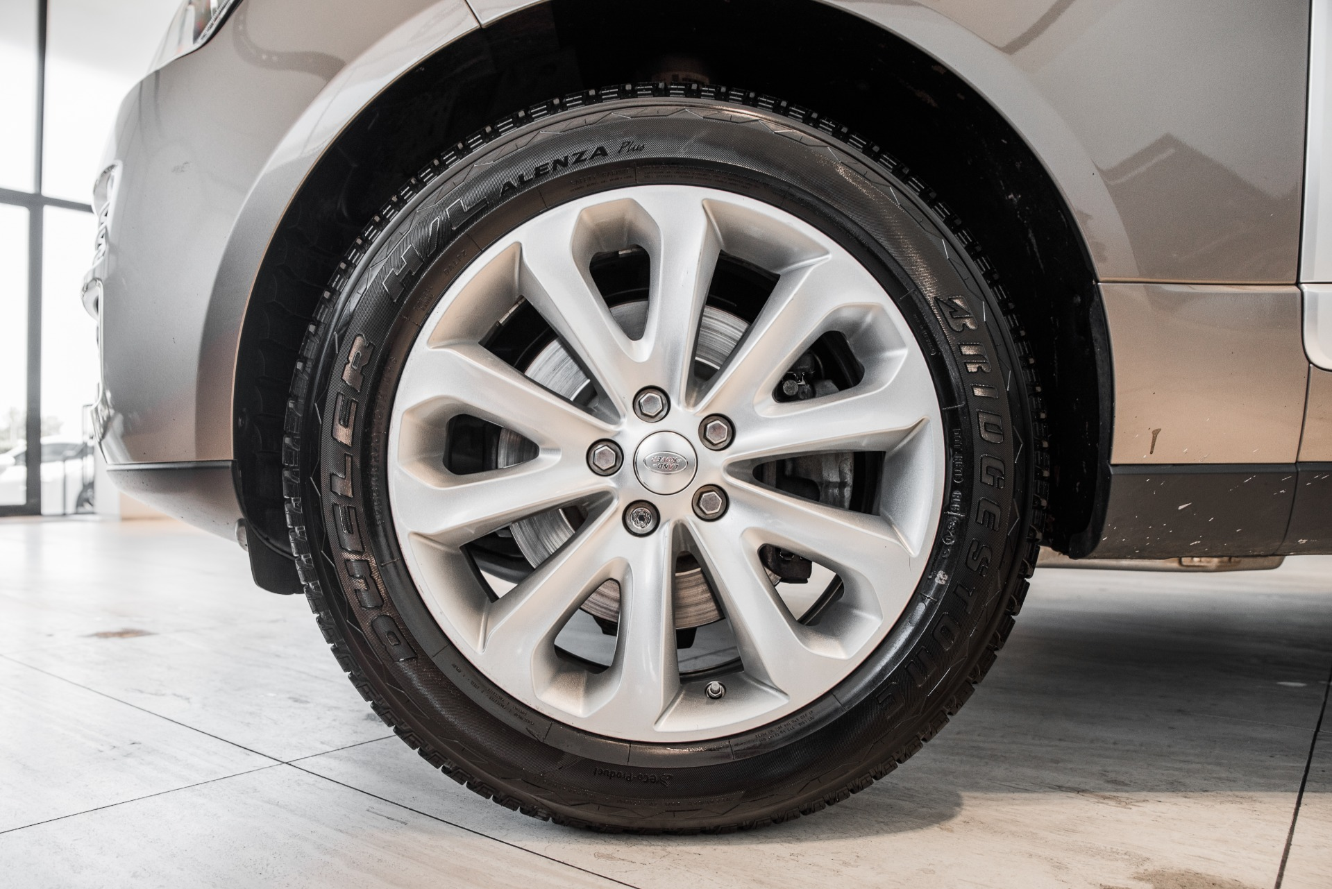 Used-2015-Land-Rover-Range-Rover-HSE-LWB