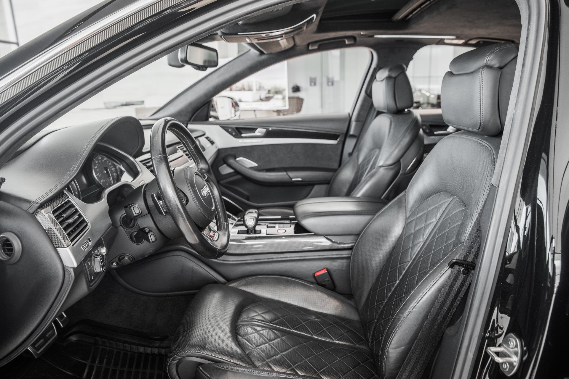 Used-2016-Audi-S8-40T-quattro