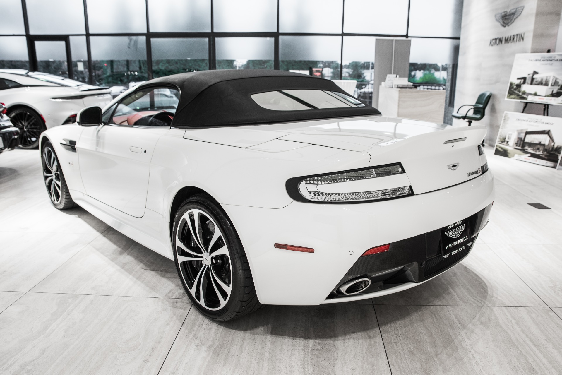 Used-2017-Aston-Martin-V12-Vantage-S-Roadster