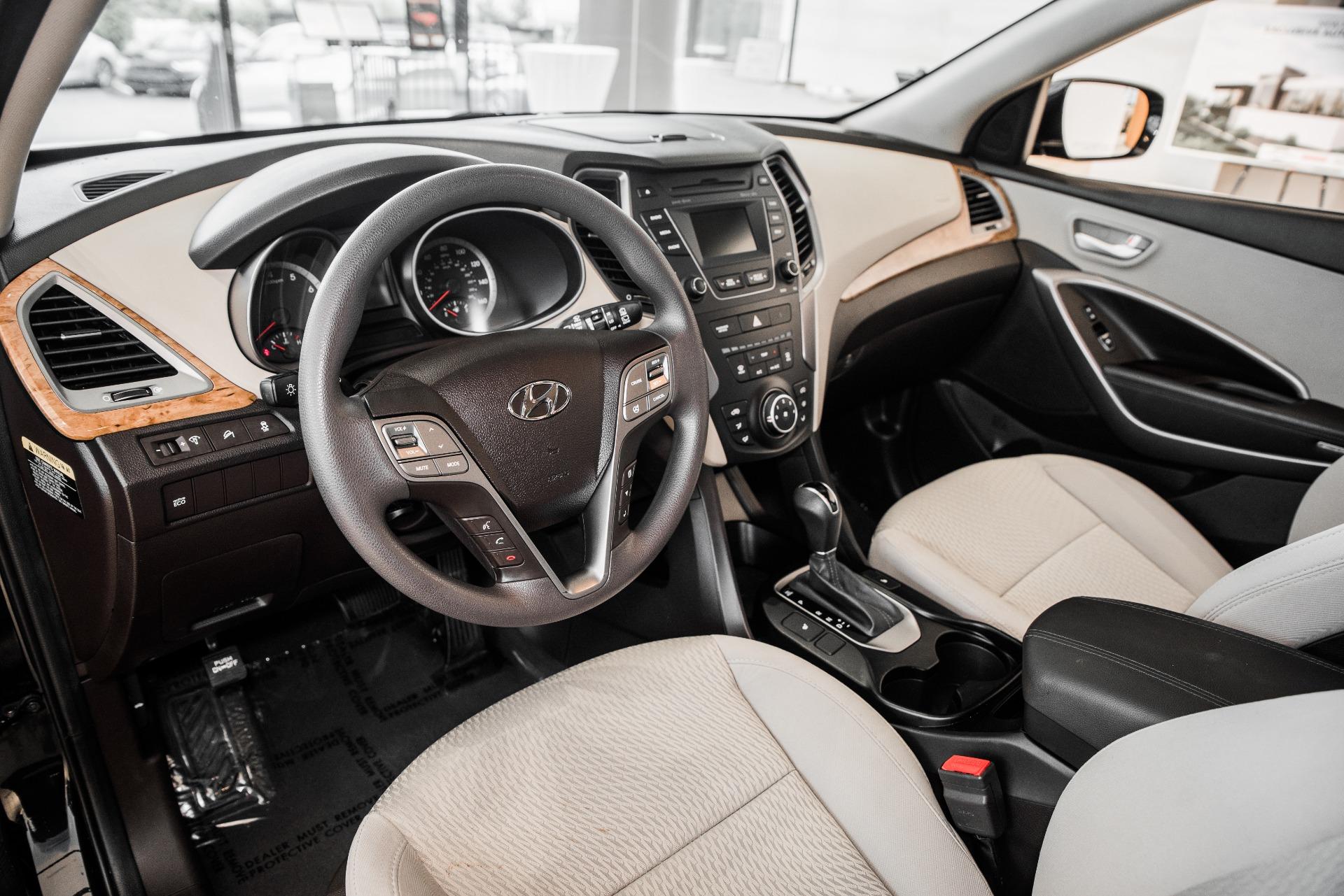 Used-2016-Hyundai-Santa-Fe-Sport-24L